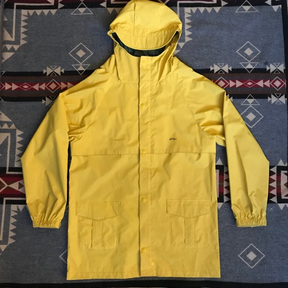 Vintage L.L.Bean yellow raincoat w hood Small